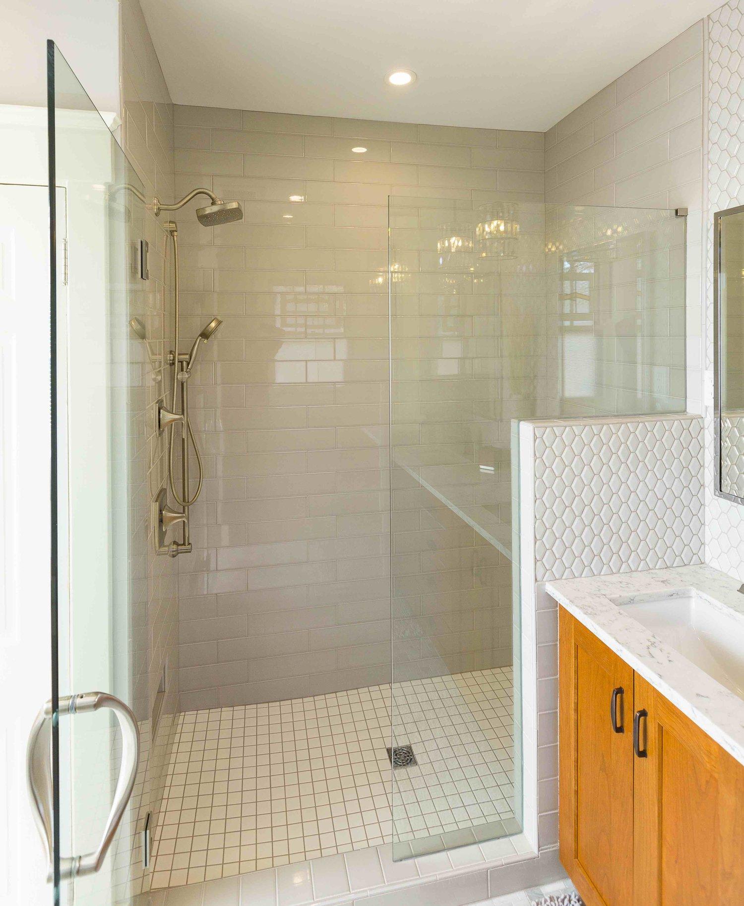Craftsman+Bathroom+Remodel+Ideas+and+Photos (1)